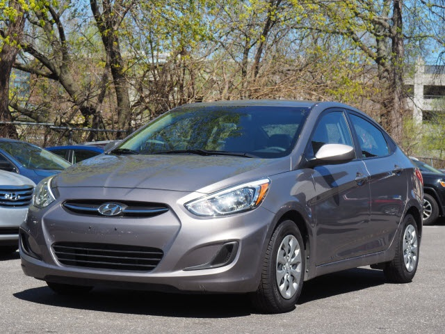 Pre Owned 2017 Hyundai Accent Se 4d Sedan In Brooklyn Uy5524p Acura Of